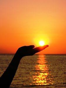 כף יד בריאה תחת השמש - להימנע מניתוח תעלה קרפלית