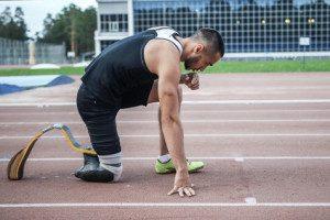 אתלט הסובל מכאבי פנטום רגל קטועה